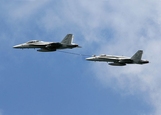 F/A-18 buddy refueling