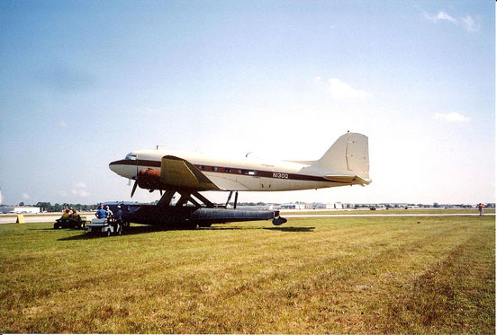DC-3 on amphibious EDO floats. Sun-n-Fun 2003, Lakeland, Florida, United States