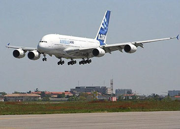 A380 MSN001 about to land after its maiden flight