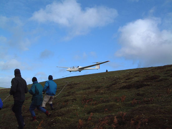 A bungee launch at the Long Mynd by the Midland Gliding Club