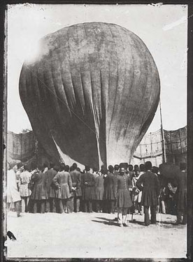 Balloon landing in Mashgh square, Iran(Persia), at the time of Nasser al-Din Shah Qajar, around 1850.