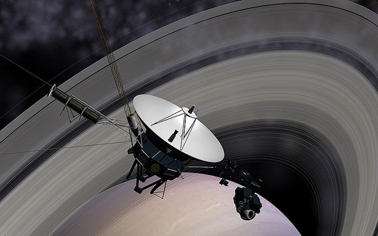 Voyager 2 passing Saturn (Image generated with Celestia)