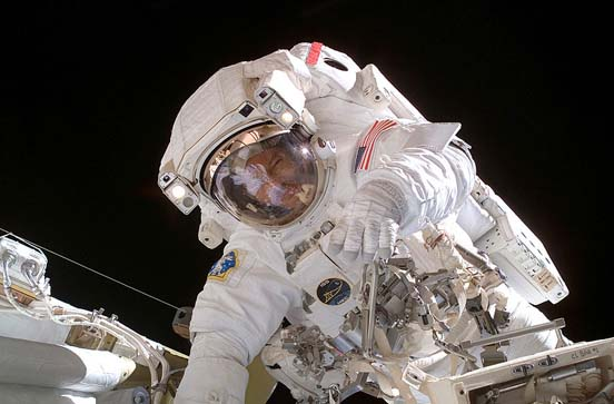 Astronaut Michael E. Lopez-Alegria, Expedition 14 commander during an EVA